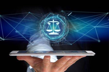 Photo pour Vue d'une icône d'équilibre judiciaire sur une interface futuriste - image libre de droit