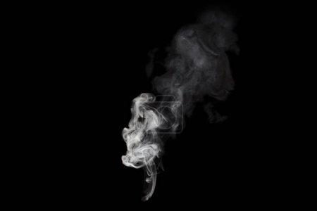 Photo pour Tache de fumée blanche isolée sur noir - image libre de droit