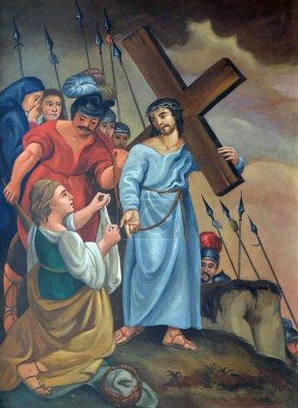Photo pour 6ème Chemin de Croix, Veronica essuie le visage de Jésus, Eglise de pèlerinage Maria im Grunen Tal à Retzbach dans le quartier bavarois de Main-Spessart, Allemagne - image libre de droit