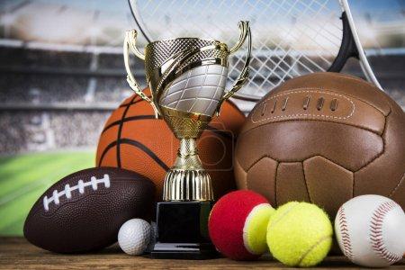 Photo pour Balles, Équipement de sport, Gagnant arrière-plan - image libre de droit