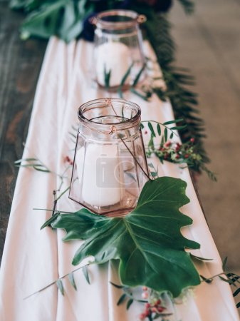 Photo pour Décoration de mariage parfaite. Décorations de table de fleur pour mariage - image libre de droit