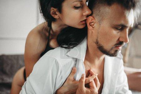 Sensualité du bel amour couple, érotisme. Scène érotique, les relations sexuelles entre homme et femme