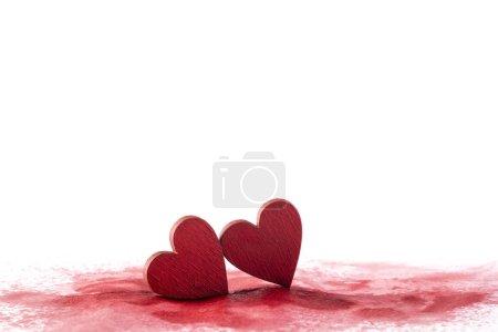 Photo pour Deux coeurs rouges sur un fond sanglant - image libre de droit