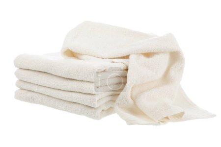 Photo pour Pile de serviettes blanches sèches propres - image libre de droit
