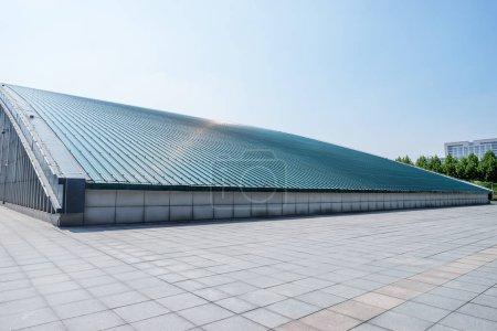 Photo pour Immeuble moderne de la ville - image libre de droit