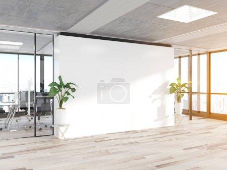 Photo pour Mur blanc vierge dans un bureau en béton brillant avec de grandes fenêtres Moquette rendu 3D - image libre de droit