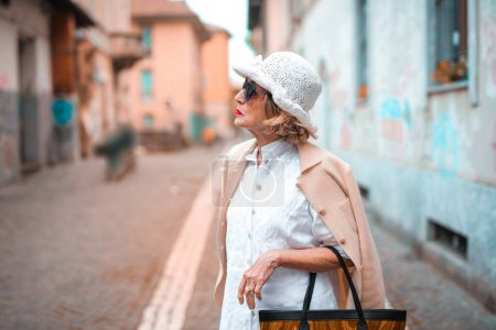 Photo for Elegant woman in the city - Royalty Free Image