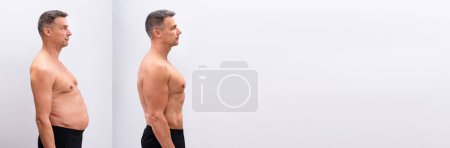 Photo pour Vue latérale d'un homme mûr avant et après avoir perdu du gras sur fond blanc. La forme du corps a été modifiée lors de la retouche - image libre de droit