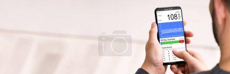 Photo pour Glucomètre continu Test de glycémie App - image libre de droit