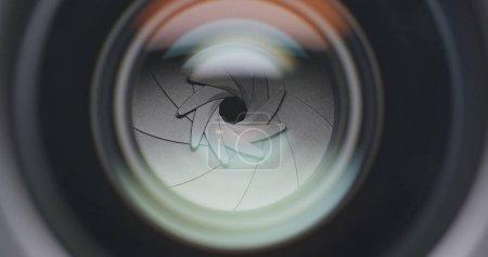 Photo pour Ouverture professionnelle de la caméra - image libre de droit
