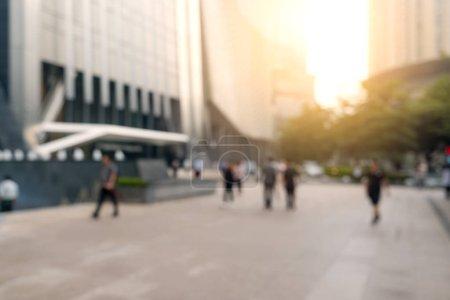Unschärfe der Stadt mit Sonnenlicht