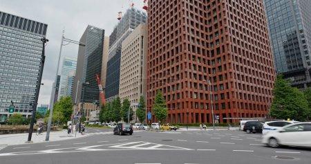 Photo pour Tokyo, Japon - 07 juillet, 2019 : Tokyo quartier des affaires - image libre de droit