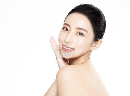 Photo pour Temiz bir cilt genç kadının güzel yüzü - image libre de droit