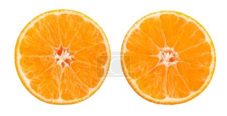 Photo pour Mandarine tranchée isolée sur fond blanc - image libre de droit