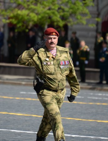 Commander of a separate division. Dzerzhinsky troops of the National Guard Major-General Dmitry Cherepanov at the parade.