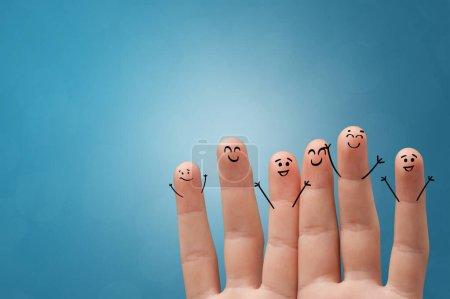Photo pour Joyeuses doigts souriant avec concept de fond coloré - image libre de droit