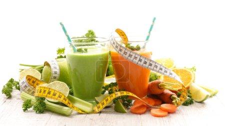 Smoothie aus Obst und Gemüse, Ernährungskonzept