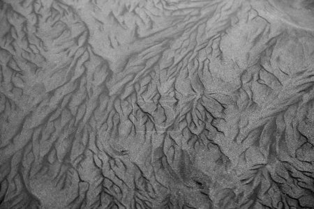 Patterns in grey tone sand