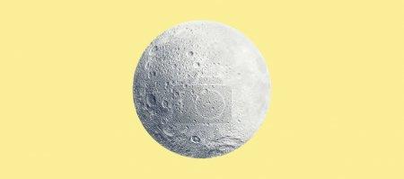 Photo pour Image conceptuelle abstraite de pleine lune au-dessus du fond jaune. Éléments de cette image fournis par la Nasa - image libre de droit