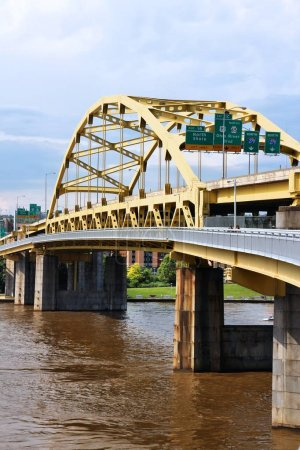 Pittsburgh city, Pennsylvania. Fort Duquesne bridge over Allegheny River. Double-decked bowstring arch bridge