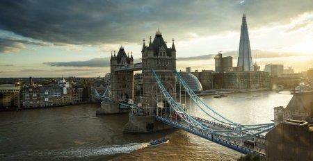 Photo pour Tower Bridge à Londres, Royaume-Uni - image libre de droit