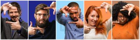 Photo pour Groupe de personnes cool, femme et homme confiant et heureux montrant les mains à la caméra, composer et cadrer geste - image libre de droit