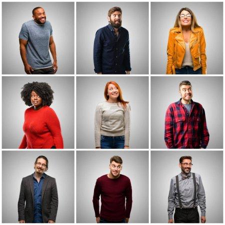 Photo pour Groupe de personnes mixtes, femmes et hommes confiants et heureux avec un grand sourire naturel riant - image libre de droit