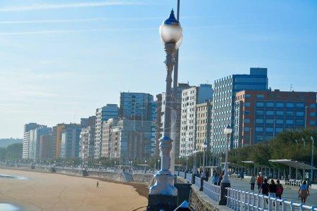 Paseo Marítimo San Lorenzo de Gijon dans les Asturies de l'Espagne