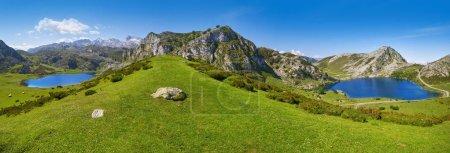 Lacs enol et Ercina panoramiques à Picos de Europa, Asturias, Espagne