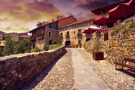 Pont de village de potes en Cantabrie Espagne