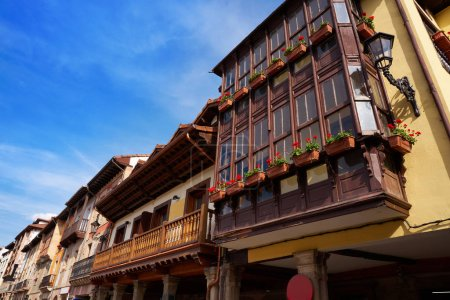 Façades de village de potes en Cantabrie Espagne