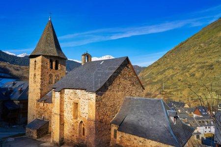 Photo pour Eglise du village d'Escunhau à Lerida Catalogne de la vallée d'Aran dans les Pyrénées Espagne - image libre de droit