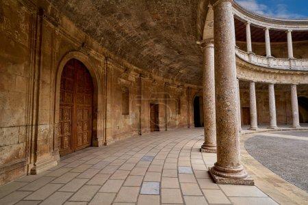 Patio de la Alhambra Carlos V en Granada Andalucía