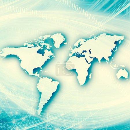 Photo pour Carte du monde sur un fond technologique, lignes lumineuses symboles de l'Internet, radio, télévision, communications mobiles et par satellite. Internet Concept d'entreprise mondiale . - image libre de droit