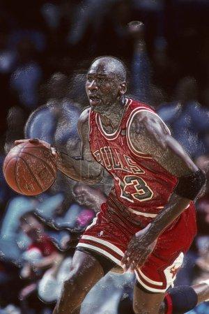 Photo pour Michael Jordan Hall Of Fame joueur des Chicago Bulls dans le jeu d'action dans un jeu normal de la Nba. Michael Jordan est ancien joueur de basket-ball. Il a joué 15 saisons dans la Ligue nationale de basket-ball avant de se retirer. - image libre de droit