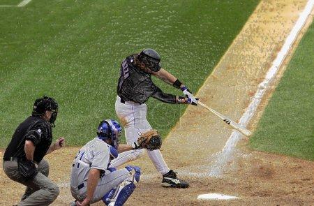 Photo pour Mike Piazza Hall of Fame joueur pour les Mets de New York au bâton dans un match de baseball de saison régulière au Citi Field dans le Queens New York. - image libre de droit