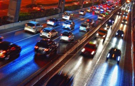 Photo pour Autoroute à accès contrôlé à Bangkok pendant les heures de pointe - image libre de droit
