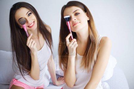 Home spa beauty pure clean skin care women applyin...