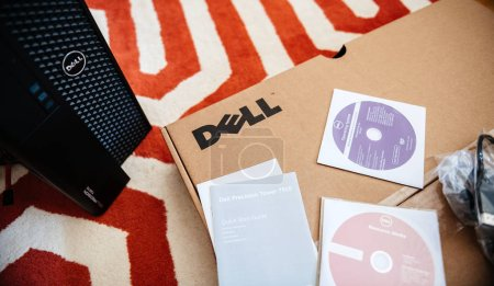 Dell Computer workstation unboxing with all dvd inside