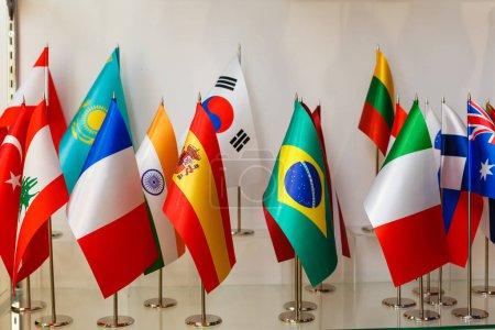 Photo pour Groupement des drapeaux nationaux du monde - image libre de droit