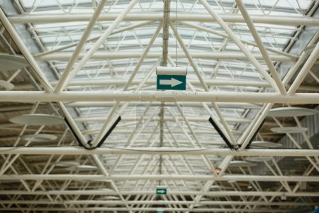 Ceiling/Metal roof construction of large storehouse
