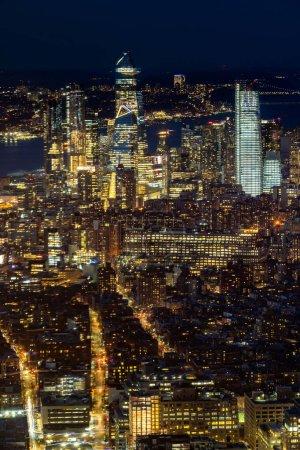 Photo pour New York Mid town Paysage urbain Skylines de Manhattan au crépuscule. - image libre de droit
