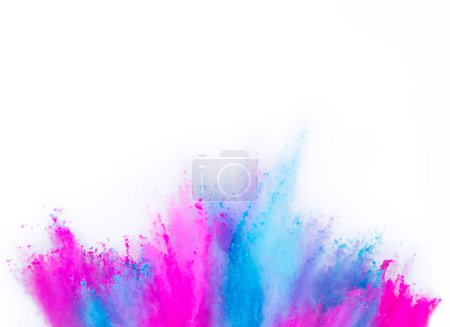 Photo pour Explosion de poudre couleur multi isolée sur fond blanc. Figer le mouvement de texture abstraite de poussière. - image libre de droit