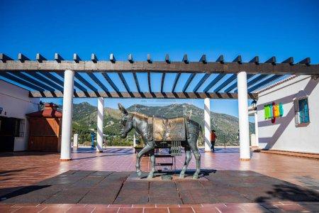 Photo pour MIJAS, ANDALUSIE, ESPAGNE - CIRCA MAI, 2019 : Monument à l'âne dans la ville de Mijas sur la Costa del Sol en Andalousie, Espagne - image libre de droit