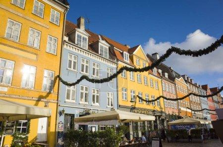 Foto de View of colorful houses at daytime - Imagen libre de derechos