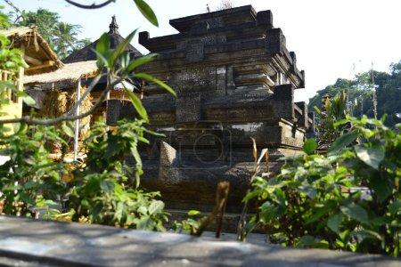 Photo pour Statue en pierre dans le temple, Indonésie - image libre de droit