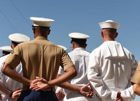 Photo pour Des marins de l'US Navy de l'arrière. Armée de la Marine américaine . - image libre de droit