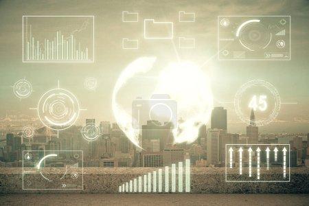 Photo pour Graphique Forex sur la vue sur la ville avec gratte-ciel arrière-plan multi exposition. Concept d'analyse financière. - image libre de droit