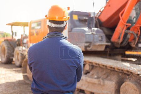 Photo for Portrait of worker in a construction site - Royalty Free Image