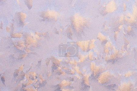 Photo pour Les motifs faits par le gel sur la fenêtre. Frosty photo de fond d'hiver - image libre de droit